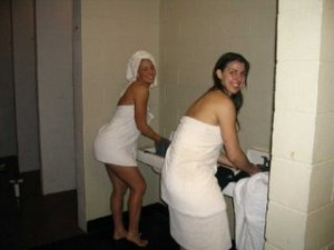 Ivanah threesome escorts Burbank, IL