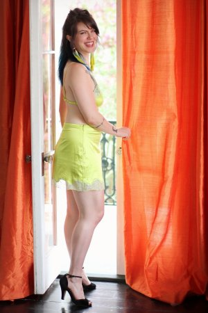 Khadia independent escorts Fallbrook